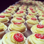 A lot Of cupcakes, a lot of fun! #cupcakes  #baking #capogiro #pasticcioni #birthdayparty #instamood  #igers #igbergamo #party #hardwork #happy #fun #fridaynight