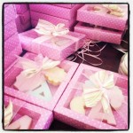 It's packaging time! #cookies #sugarpaste #babyshower #pastelcolors #pink #igers #igersbologna #instagood #instamood