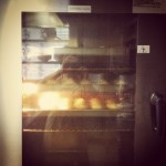 There's something in the oven. #cupcakes  #capogiro #birthdayparty #buffet #pasticcioni  #igbergamo #igers #cake #hardwork #fridaynight