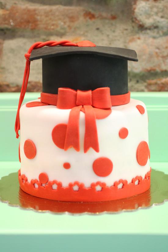 torta laurea gradiated cake